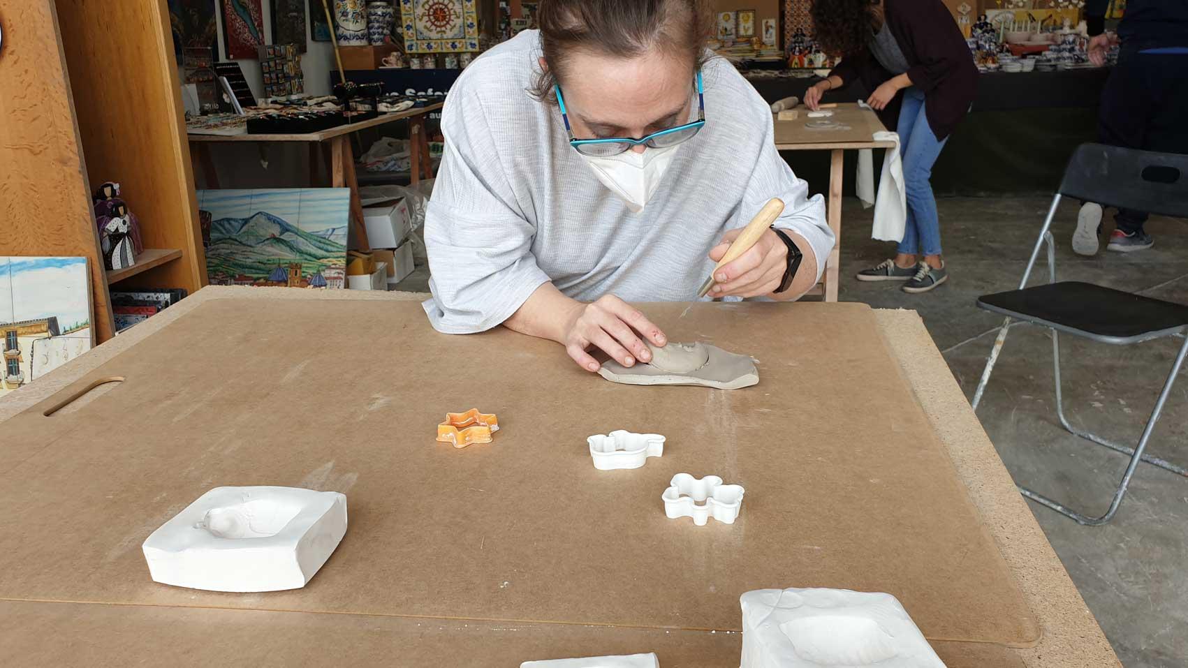 modelando cerámica